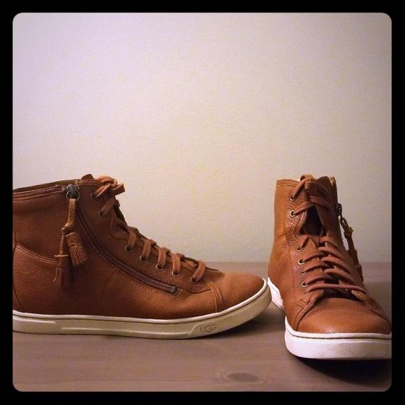 70d316777ce UGG Blaney high top zip sneakers, sz 8.5
